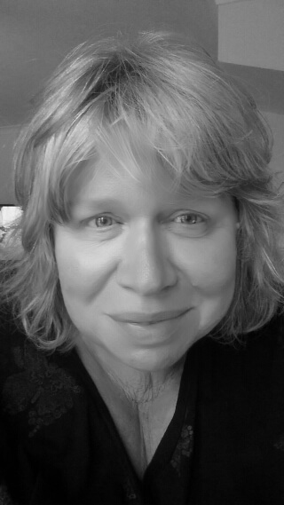 Hilary Betts Addiction & Trauma Therapist – MSc PGDip